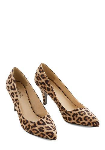 East Lion Corp./qupid Enthrall In A Day's Work Heel In Leopard