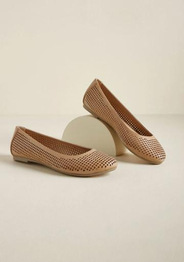 Modcloth Punctuated With Panache Flat In Sand In 9