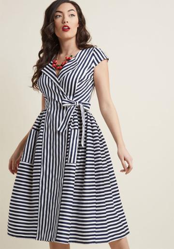 Collectif Collectif Ladylike Luncheon Midi Wrap Dress In 10 (uk)