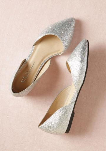 Modcloth Chic Your Mind Flat In Moon In 8