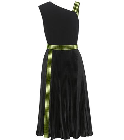 Chlo Sleeveless Crêpe Plissé Dress