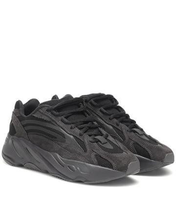 Versus Yeezy Boost 700 V2 Sneakers