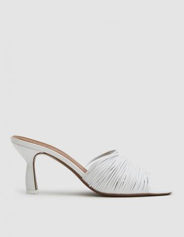 Neous Shom Leather Sandal In White
