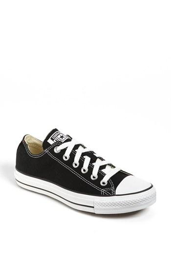 Women's Converse Chuck Taylor Low Top Sneaker .5 M - Black