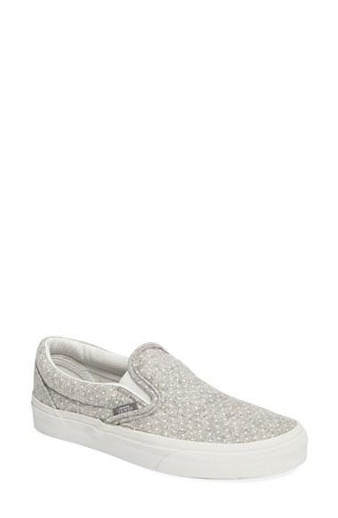 Women's Vans Classic Slip-on Sneaker .5 M - Grey