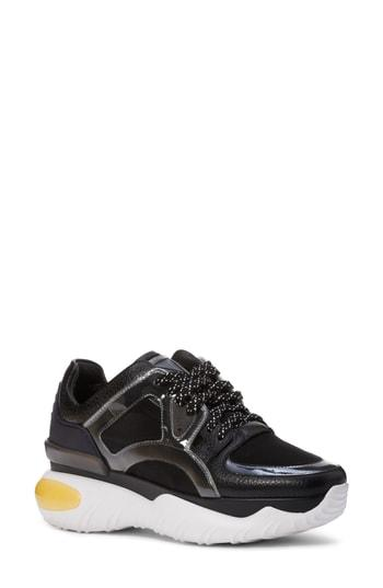 Women's Fendi Fancy Lace-up Sneaker .5us / 35eu - Black