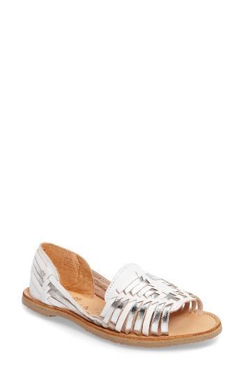 Women's Sbicca Jared Peep Toe Flat M - White
