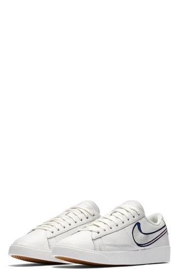 Women's Nike Blazer Low Lx Sneaker M - White