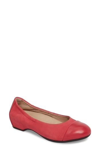 Women's Dansko Lisanne Flat .5-6us / 36eu M - Red