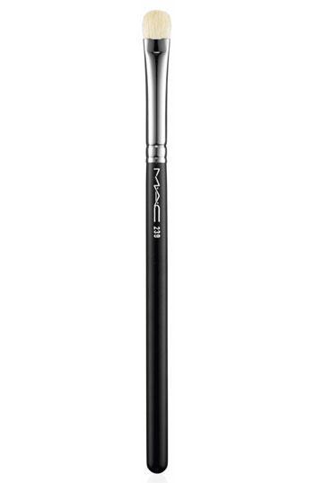 Mac 239 Eye Shading Brush