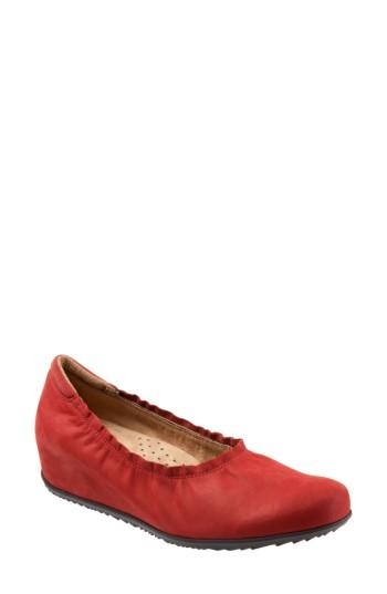 Women's Softwalk Wish Ballet Wedge(women) N - Red