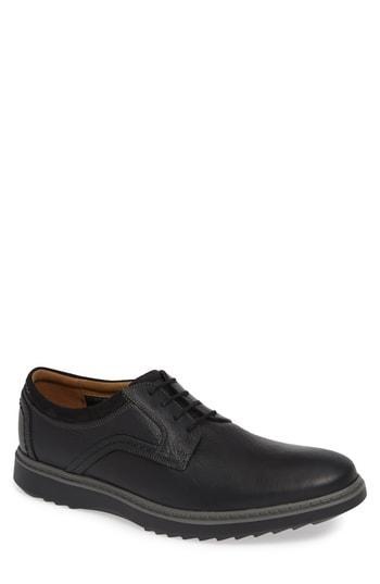 Men's Clarks Un Geo Plain Toe Derby .5 M - Black