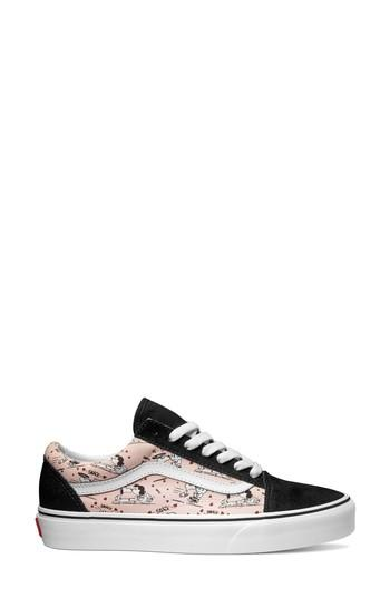 Women's Vans X Peanuts Old Skool Snoopy Kisses Sneaker