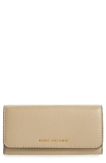 Women's Marc Jacobs Leather Continental Wallet - Beige