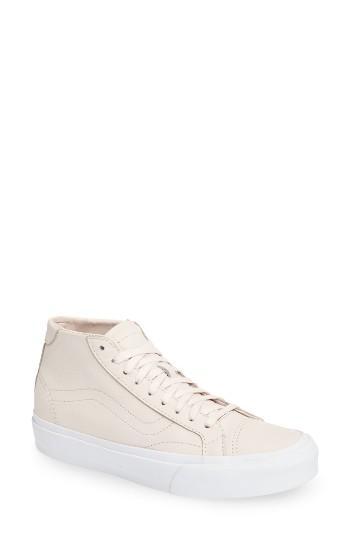 Women's Vans Court Dx Mid Sneaker