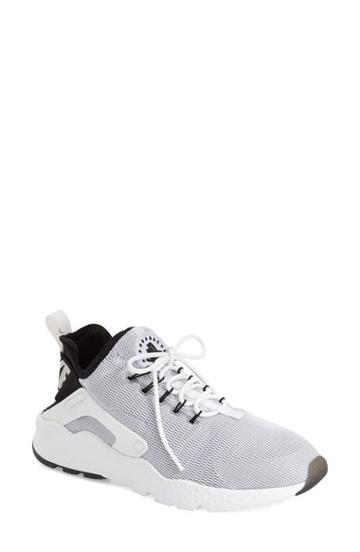 Women's Nike Air Huarache Sneaker M - Beige