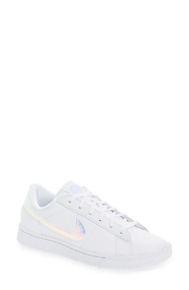 Women's Nike Tennis Classic Sneaker M - White