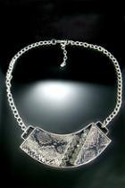 Oasap Diamante Snake Pattern Necklace