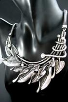 Oasap Leaves' Symphony Necklace