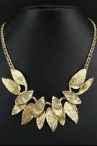 Oasap Exquisite Gold Leaves Necklace