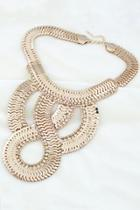 Oasap Bold Fish Scale Necklace