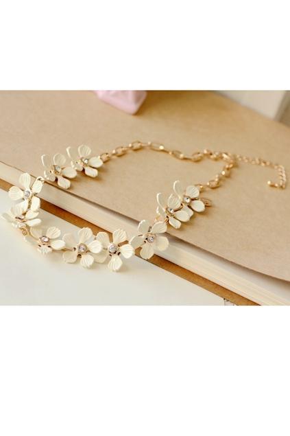 Oasap Sweet Flower Necklace