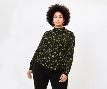 Oasis Curve Daffodil Lace Top
