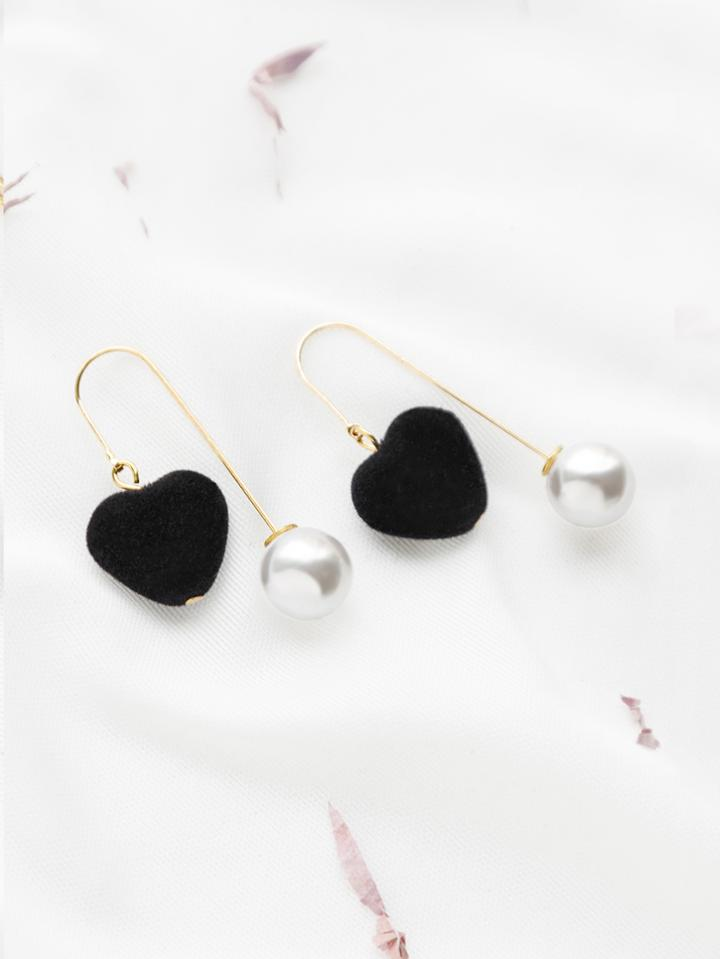 Romwe Heart And Pearl Drop Earrings
