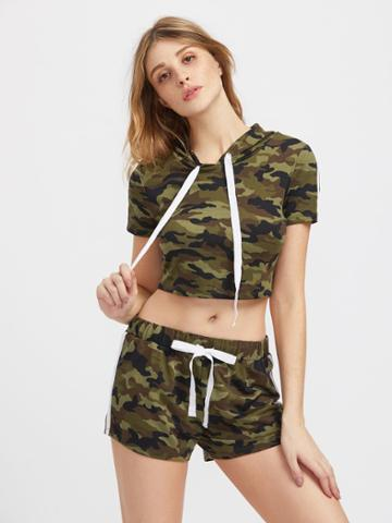 Romwe Hooded Crop Camo Tee And Shorts Activewear Set