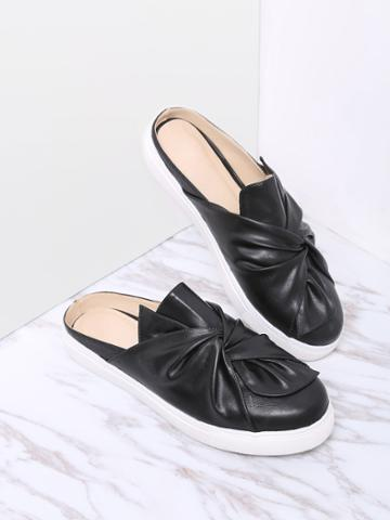 Romwe Black Faux Leather Round Toe Slippers