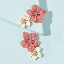 Romwe Flower Design Stud Earring 1pair