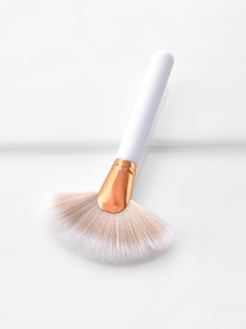 Romwe Fan Shaped Professional Cosmetic Brush 1pc