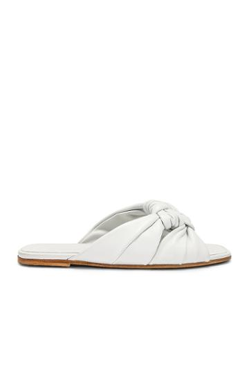 Windsor Knot Slide Sandal