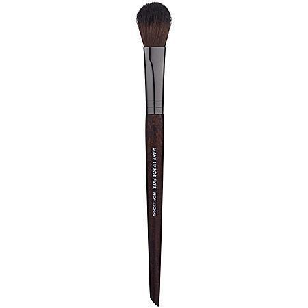 Make Up For Ever 142 Flat Highlighter Brush