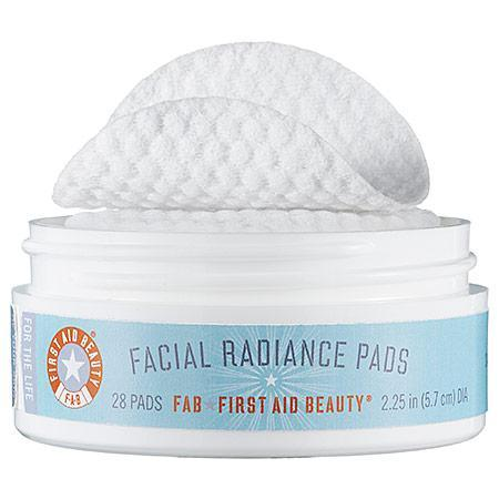 First Aid Beauty Facial Radiance Pads 28 Pads