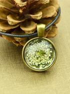 Shein White Vintage Flower Pattern Round Pendant Necklace For Women