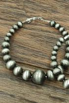 Graduated-hoop Navajo-pearl Earrings