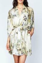 Magnolia Short Robe