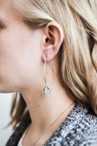 Small Circle Thread-earrings