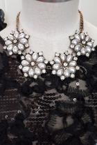 Pearl Flowers Necklace