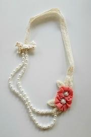 Double-rosette-beaded-pearl-necklace