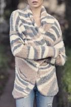 Feather-knit Patterned Cardigan