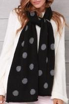 Dot Knit Scarf