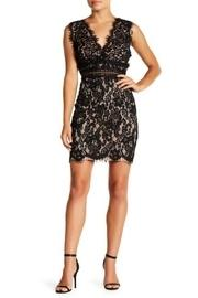 Scalloped Lace Bodycon-dress