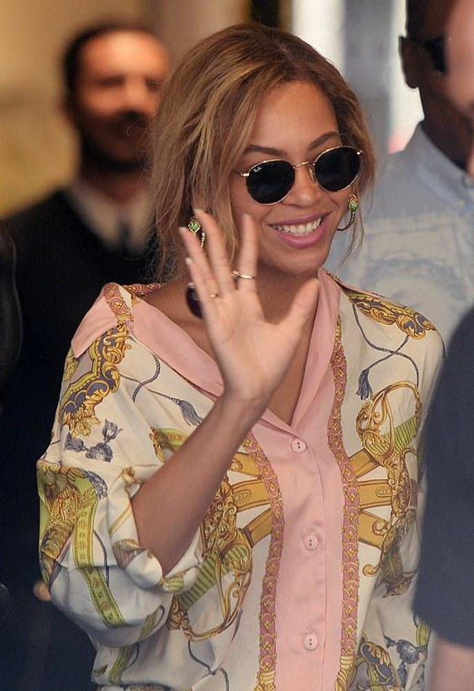 Ray-ban Rb3447 Round 50mm Metal Sunglasses As Seen On Beyonce