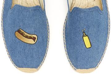 Soludos Men's Jason Polan Hot Dog Embroidered Smoking Slipper In Medium Denim