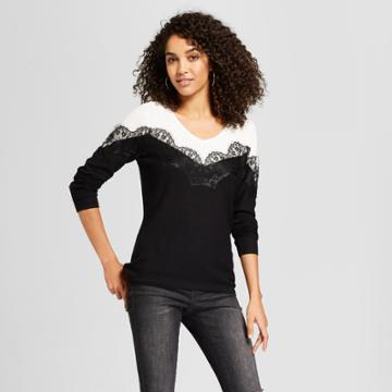 Women's Color Blocked V-neck Sweater With Eyelash Lace Trim - August Moon - Black/cream (black/ivory)