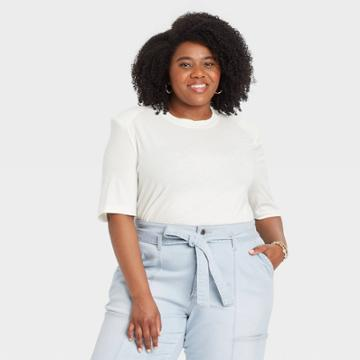 Women's Plus Size Short Sleeve Round Neck Padded Shoulder T-shirt - Universal Thread White