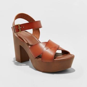 Women's Estella Faux Leather Wood Bottom Crossband Heel Pumps - Universal Thread Brown