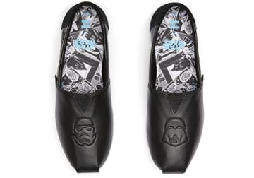 Toms Black Star Wars Leather Darth Vader Emboss Women's Classics